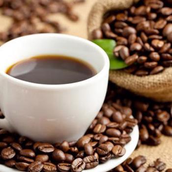 EUROPEAN-STYLE OUTDOOR CAFÉS