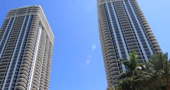 Blue & Green Diamond Towers Miami Beach